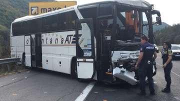 Осем души пострадаха при катастрофа с автобус на магистрала Хемус