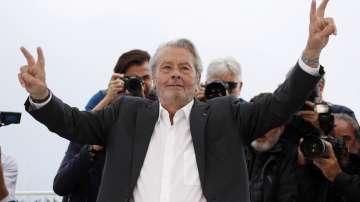 Ален Делон получава почетна Златната палма на кинофестивала в Кан