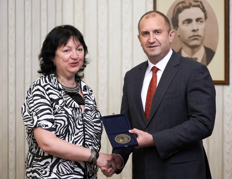 Днес честваме 175 години българска журналистика. Тържествата започнаха в аулата