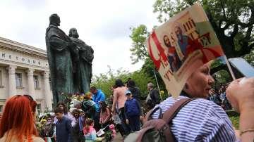 България празнува деня на Светите братя Кирил и Методий
