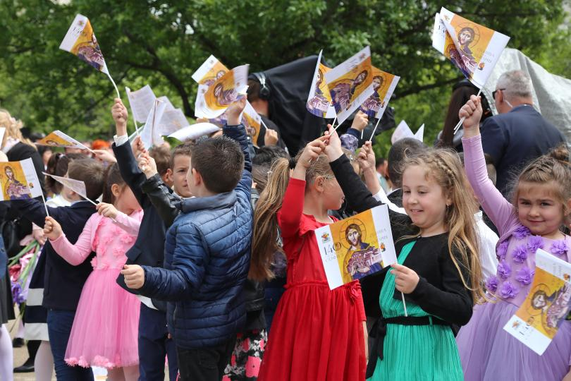 снимка 3 България празнува деня на Светите братя Кирил и Методий