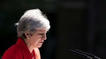 Британският премиер Тереза Мей обяви, че се оттегля