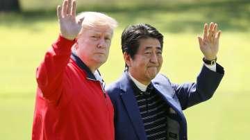Тръмп мери сили на голф с премиера Абе в Япония
