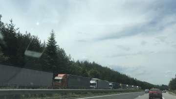 Колона ТИР-ове са отбити на автомагистрала Тракия