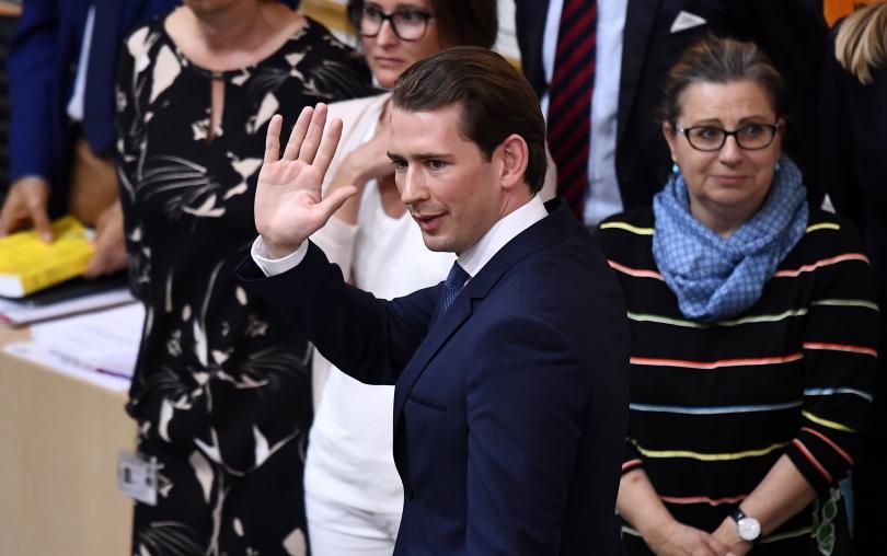 Австрийският канцлер Себастиан Курц загуби вота на доверие към правителството