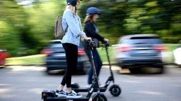 Френският парламент регулира електрическите скутери и велосипеди