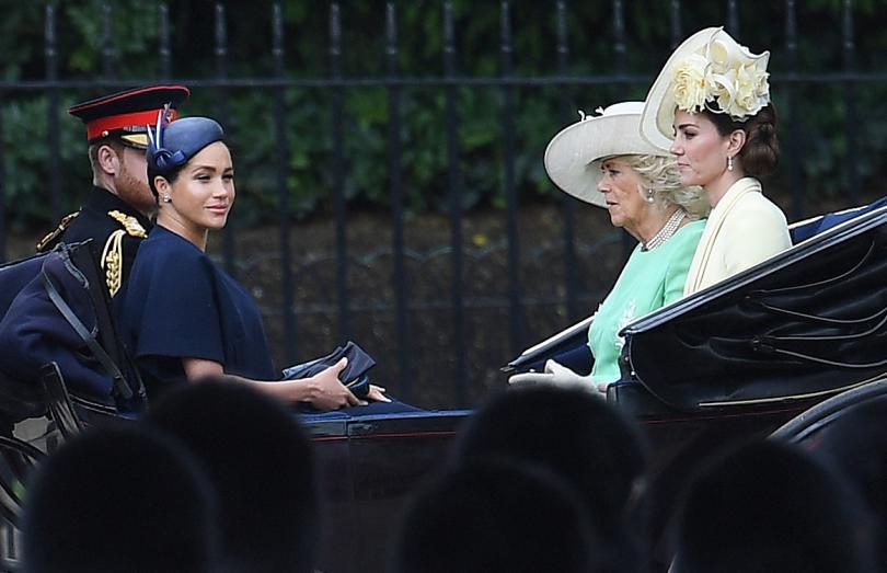 снимка 3 С военен парад отбелязаха официалния рожден ден на кралица Елизабет Втора