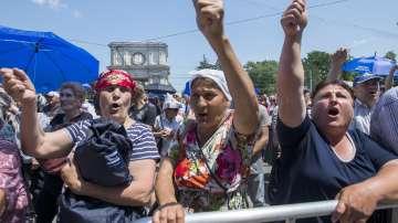 Отстраняването на президента на Молдова предизвика политическа криза
