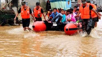 Наводнения в Китай отнеха живота на 17 души