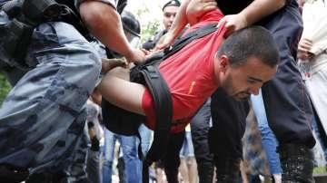 Над 400 души са арестувани на протест в Москва