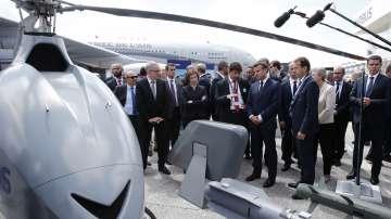 Еманюел Макрон откри авиосалона в Бурже