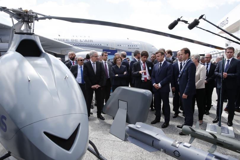 Френският президент Еманюел Макрон откри 53-ия авиосалон в Бурже. Той