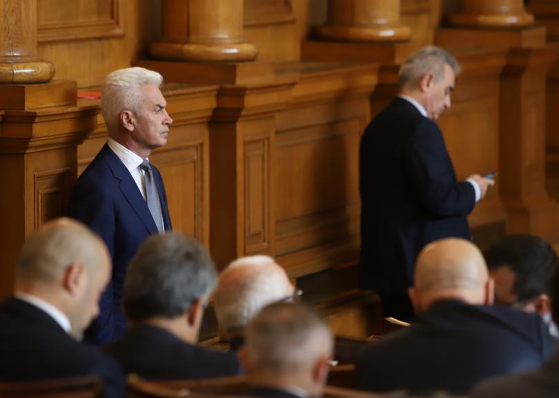 снимка 1 Волен Сидеров вече не е председател на ПГ Обединени патриоти