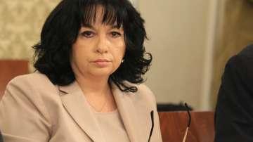 Министър Петкова посъветва бизнеса да не разчита само на борсата за ток