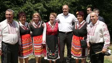 Президентът Радев откри събора Хоро се вие край манастира