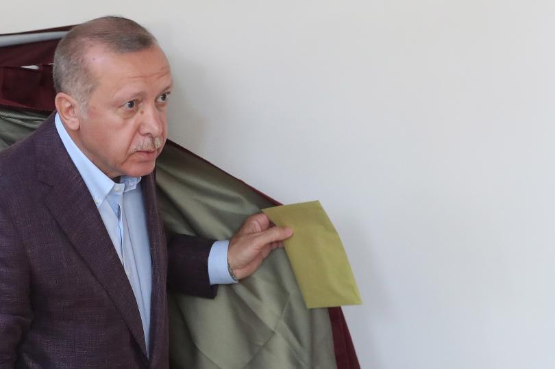снимка 1 Кандидатът на опозицията печели кметските избори в Истанбул