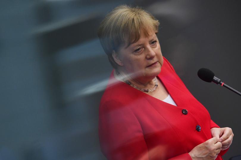 Германският канцлер Ангела Меркел предпочита компромис по зациклилия въпрос за