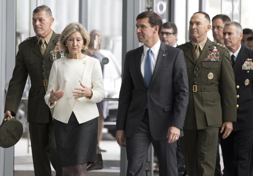 Министрите на отбраната на страните от НАТО обсъждат днес и