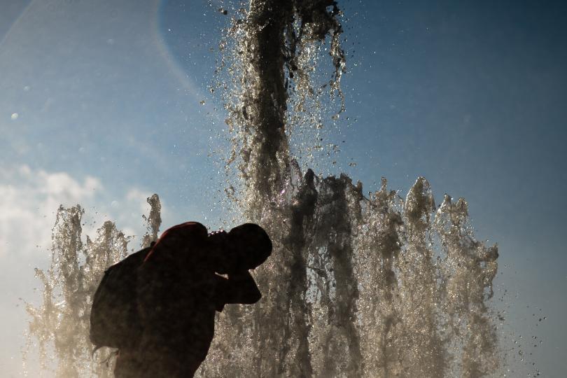 снимка 2 Пикът на жегите в Европа се очаква днес и утре (Снимки)