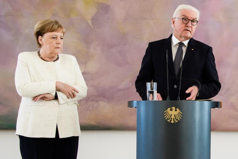 Германският канцлер отново получи треморен пристъп и отново това се