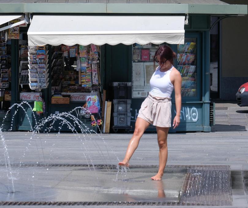 снимка 7 Пикът на жегите в Европа се очаква днес и утре (Снимки)