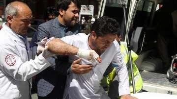 Близо 100 души са ранени при атентат в Кабул