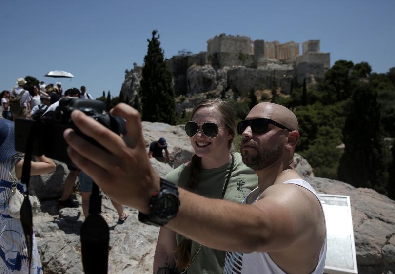 Значително увеличение на приходите от туризъм през първата половина на