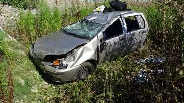 Трима ранени, след като кола изхвърча от магистрала Струма