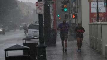 Мощна тропическа буря приближава САЩ