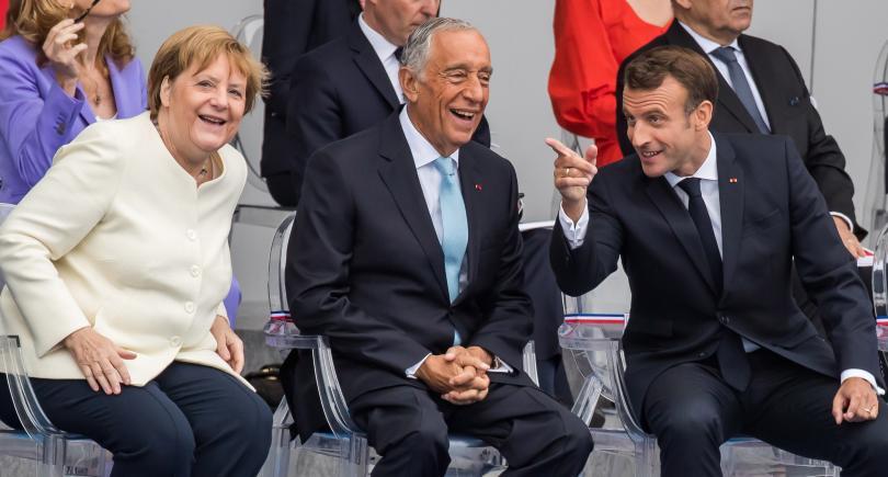 снимка 9 Франция отбеляза тържествено 230 години от щурма на Бастилията (Снимки)