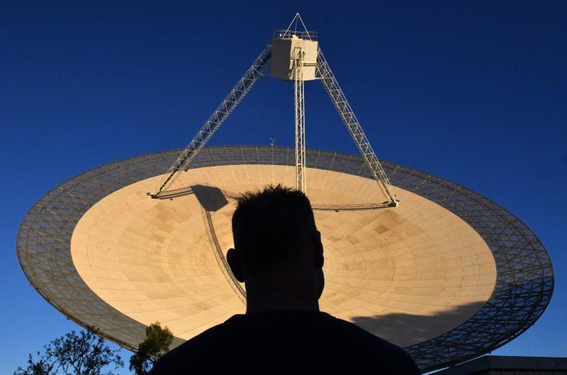 Най-големият телескоп в света улови 100 бързи радиосигнала