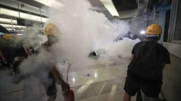 Полицията разпръсна със сълзотворен газ протест в Хонгконг