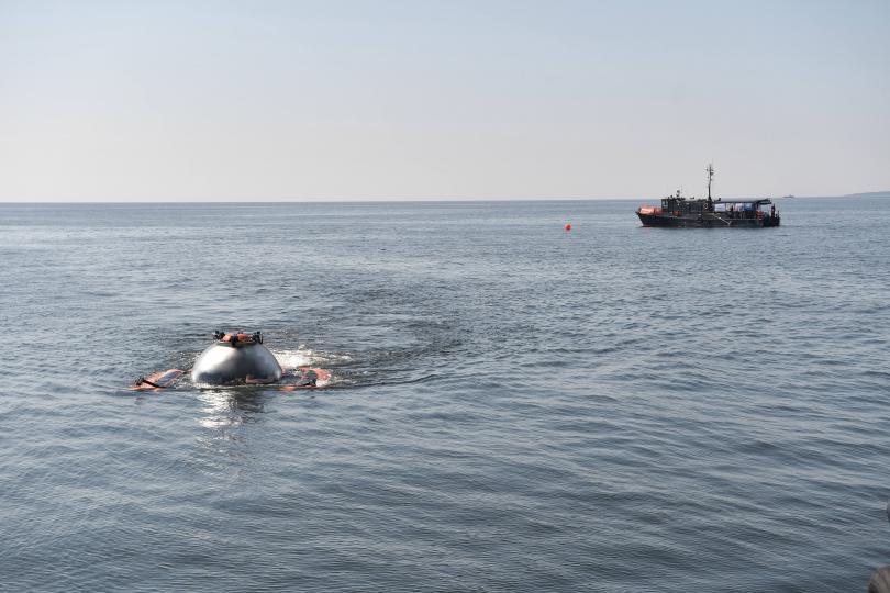 снимка 4 Путин слезе с батискаф на дъното на Финския залив (Снимки)