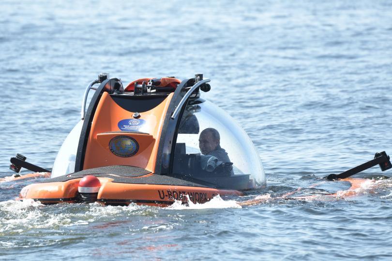 Путин слезе с батискаф на дъното на Финския залив (Снимки)