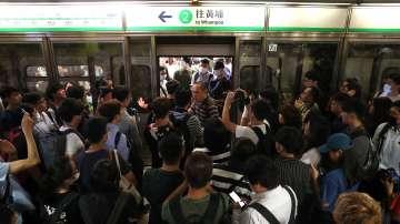Демонстранти блокираха метрото в Хонгконг