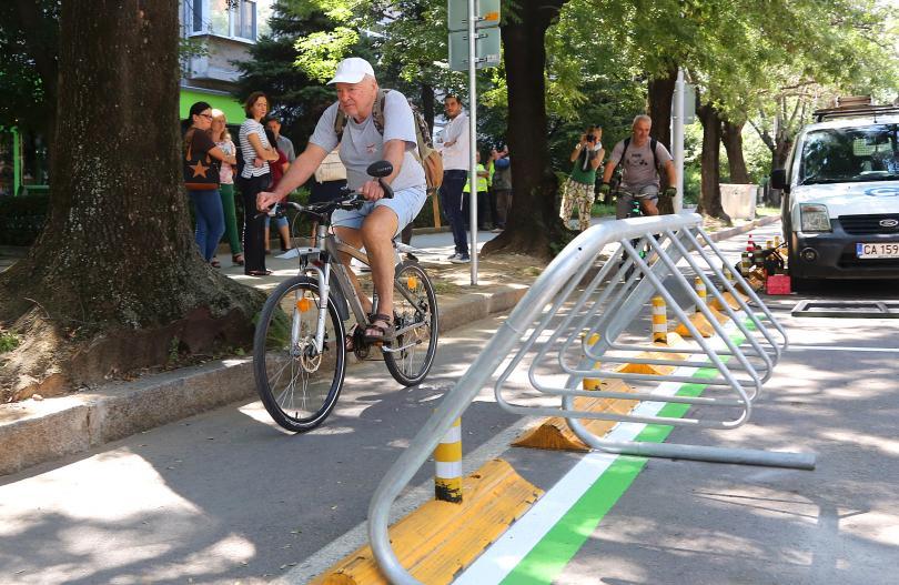 Първи паркинг за тротинетки и велосипеди беше открит в столицата,