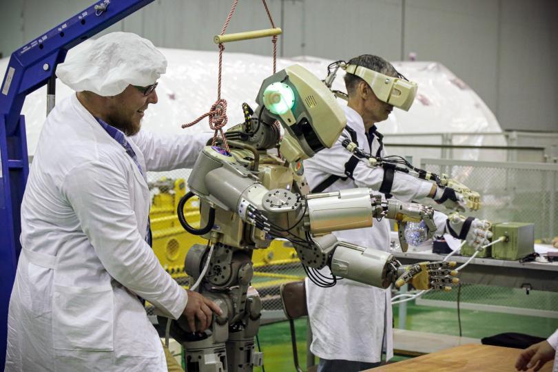 Руският робот
