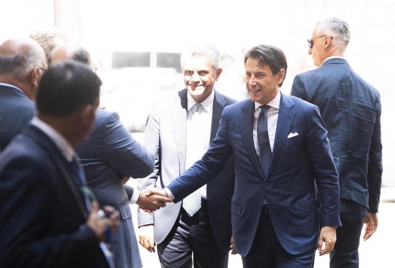 Президентът на Италия Серджо Матарела официално натовари Джузепе Конте да
