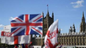 Остра реакция срещу разпускането на британския парламент