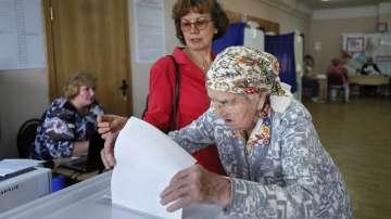 Руснаците гласуват за губернатори и за местни парламенти
