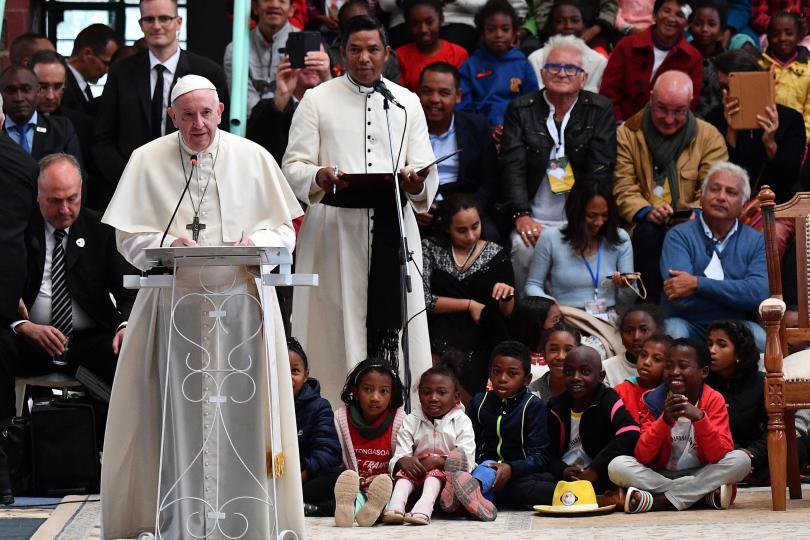Снимка: Близо 1 млн. души се стекоха на месата на папата в Мадагаскар