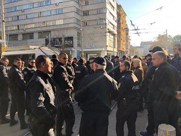 снимка 2 Безпрецедентни са мерките за сигурност в района около ВСС