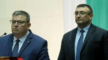 Малинов обвинен в шпионаж, Решетников със забрана да влиза в България