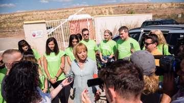Мая Манолова иска референдум за боклука на София