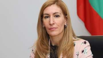 Министър Ангелкова разпореди проверка на Централния плаж в Созопол