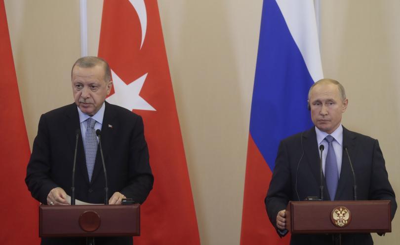 Путин и Ердоган говориха по телефона за ситуацията в Сирия