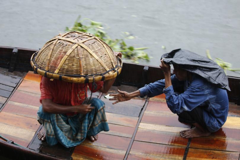Два милиона евакуирани заради циклон в Индия и Бангладеш