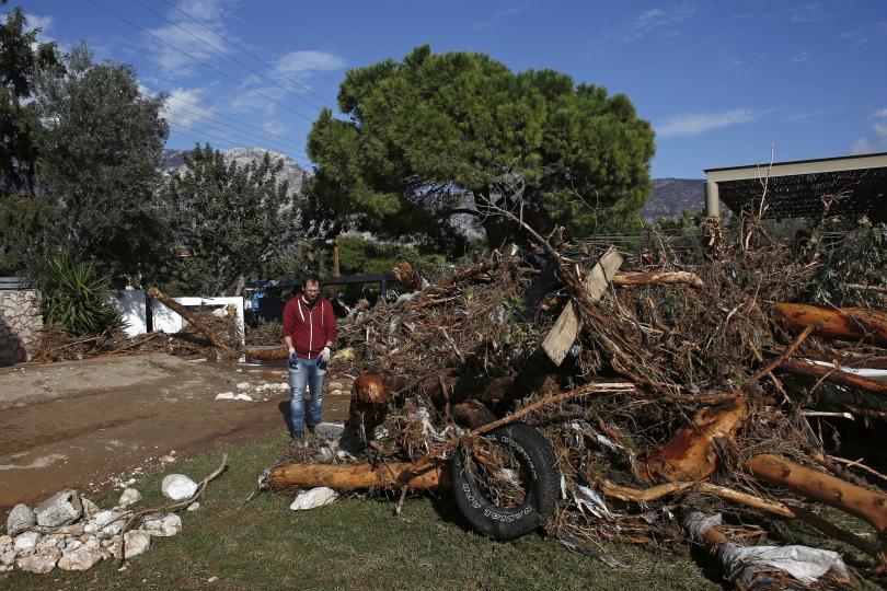 снимка 2 Двама загинаха заради лошото време в Гърция