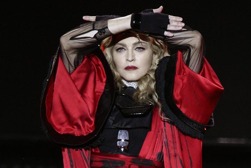 """Мадона отложи първото от турнето си """"Мадам Х"""" шоу в"""