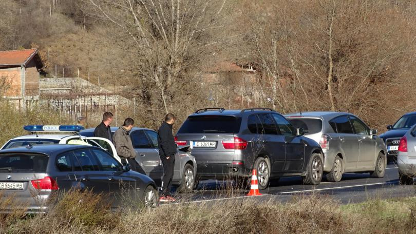 снимка 1 Верижна катастрофа затапи Е-79 край Благоевград